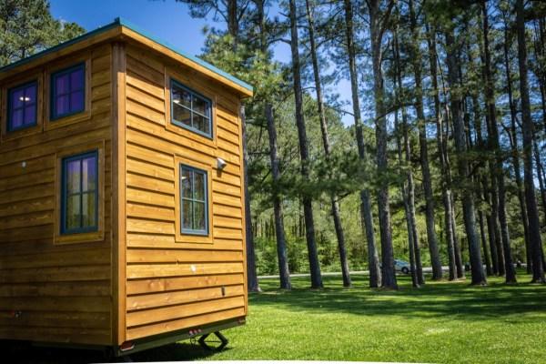 35ft CedarHouse by Timbercraft Tiny Homes EXTERIOR 0017