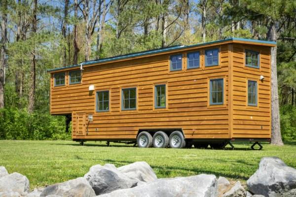 35ft CedarHouse by Timbercraft Tiny Homes EXTERIOR 003