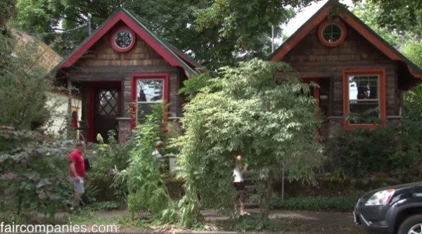 364-sq-ft-tiny-homes-built-with-recycled-materials-001