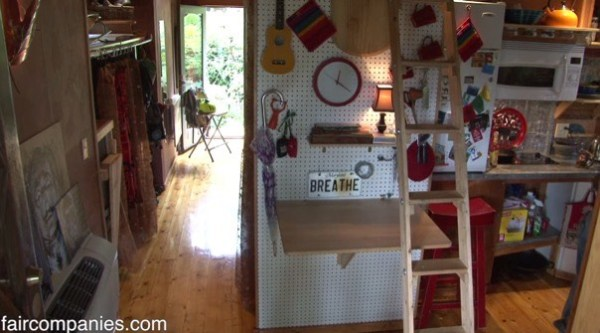 364-sq-ft-tiny-homes-built-with-recycled-materials-006