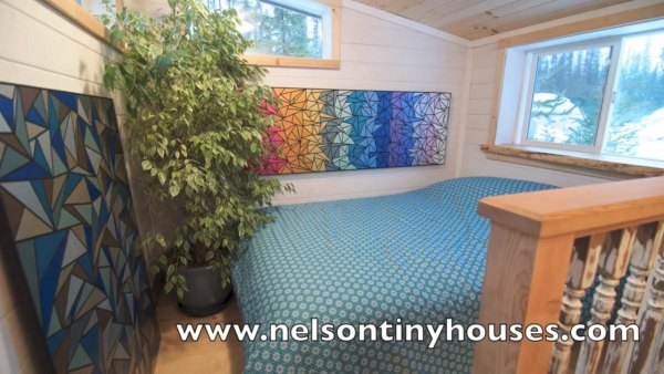 380-sq-ft-v-house-nelson-tiny-houses-014