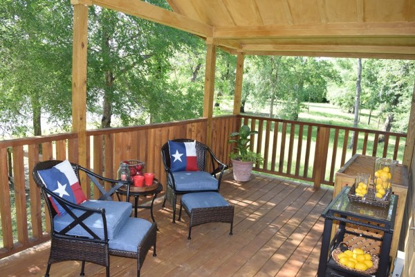 393sf Park Model Tiny Home on Waterfront Lot in Texas 0012