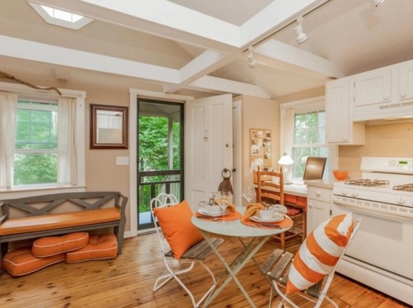 400 Sq Ft Cottage in Connecticut 003