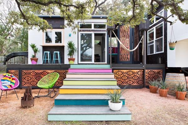 400-Sq-ft-Bohemian-Style-Home-Austin-TX-001