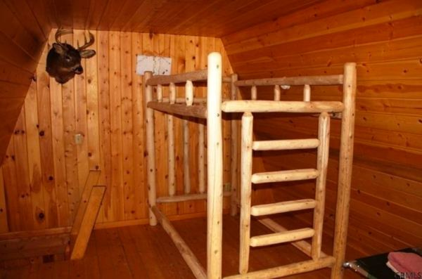 400-sq-ft-tiny-cabin-on-1-acre-for-sale-006