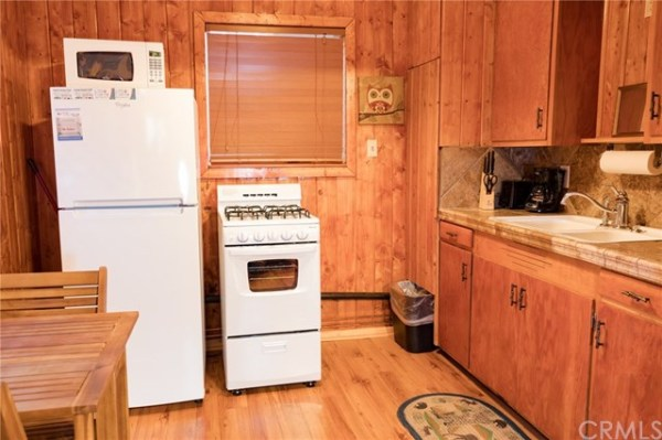 402-sq-ft-big-bear-cabin-006