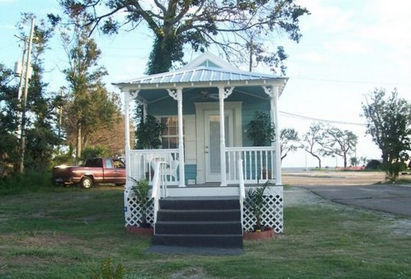 415-sq-ft-koastal-cottage-tiny-house-story-0007