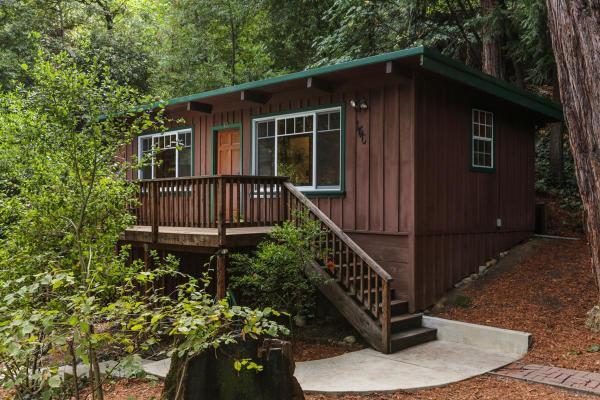 420-sq-ft-ben-lomond-cabin-001