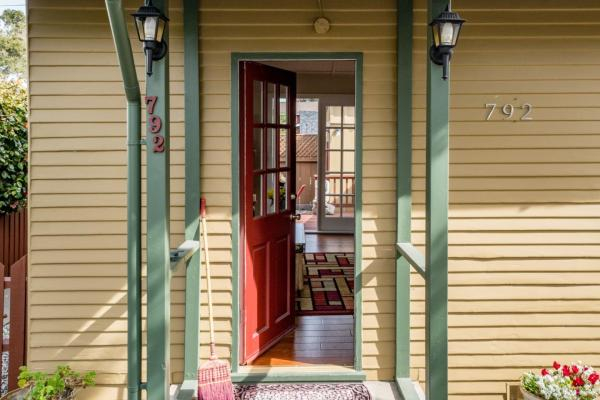 440sf Cottage in Pacific Grove CA_002