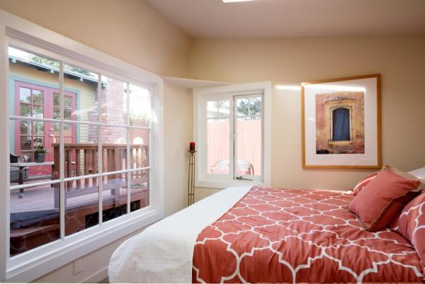440sf Cottage in Pacific Grove CA_012