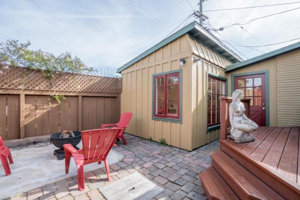 440sf Cottage in Pacific Grove CA_015