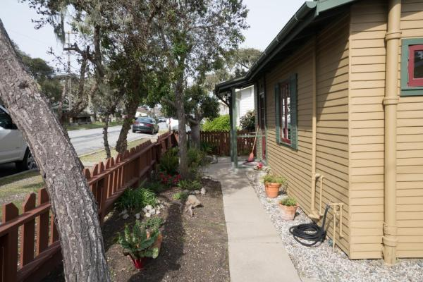 440sf Cottage in Pacific Grove CA_017