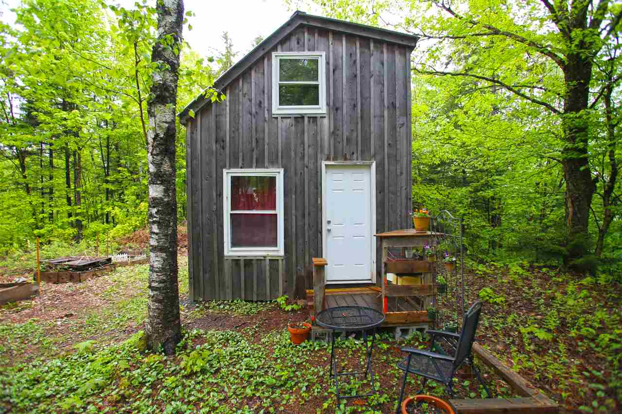45k Tiny Cabin On 2 Acres In Vermont