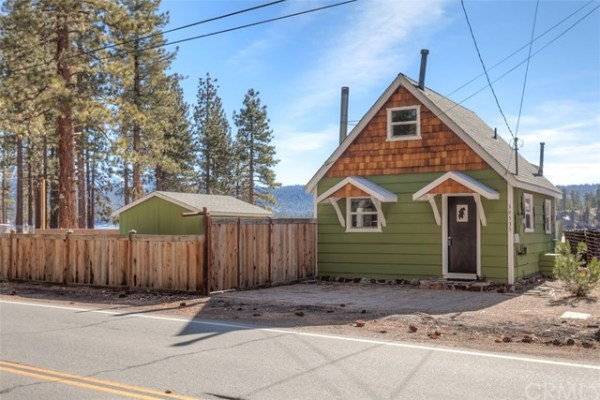 461sf Tiny Cottage in Fawnskin CA For Sale 0019