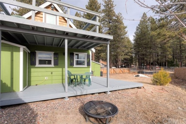 461sf Tiny Cottage in Fawnskin CA For Sale 0021