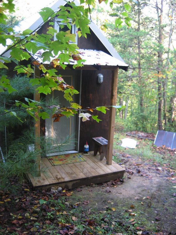 5 Downsizing Lessons from a Tiny House Couple