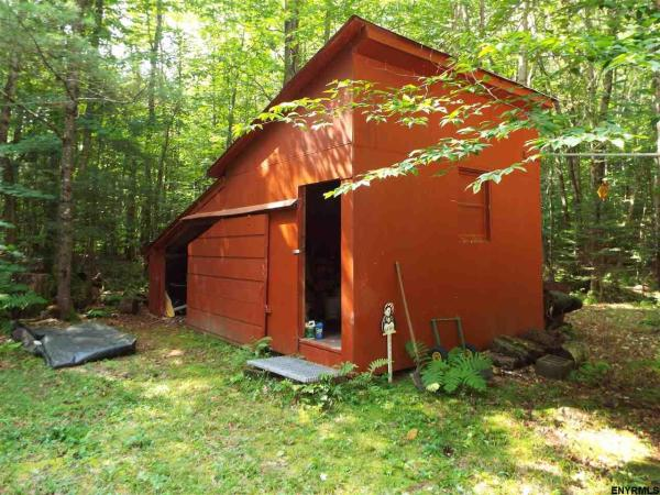 500 Sq. Ft. Log Cabin on 10 Acres in Bleecker, NY