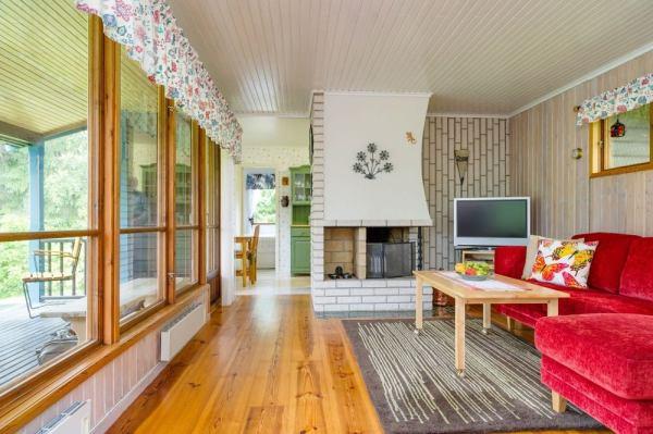 570-sq-ft-tiny-cottage-in-rural-sweden-003