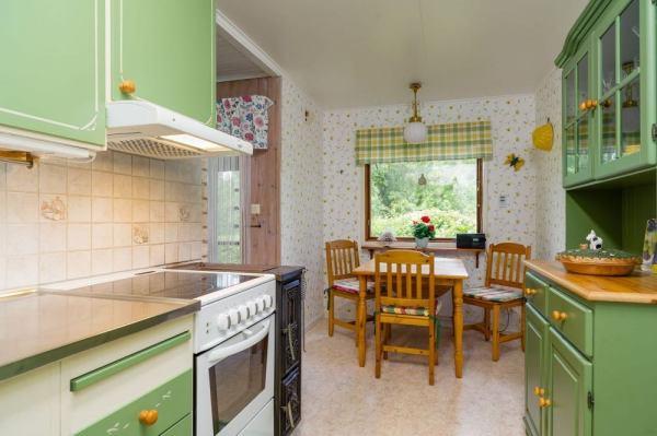 570-sq-ft-tiny-cottage-in-rural-sweden-005