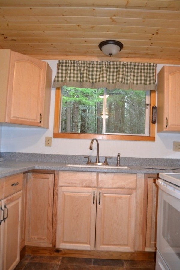 580 Sq. Ft. Tiny Cabin For Sale in Hoodsport, WA 007