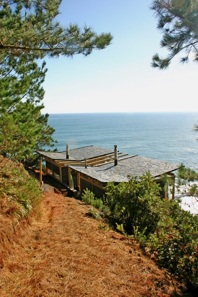592-Sq-Ft-Clifftop-Cabin-View-002