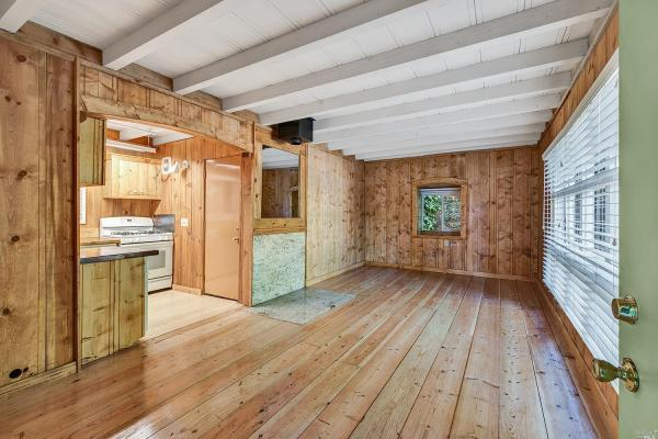 594 Sq Ft Minimalist Cottage in Sonoma County CA