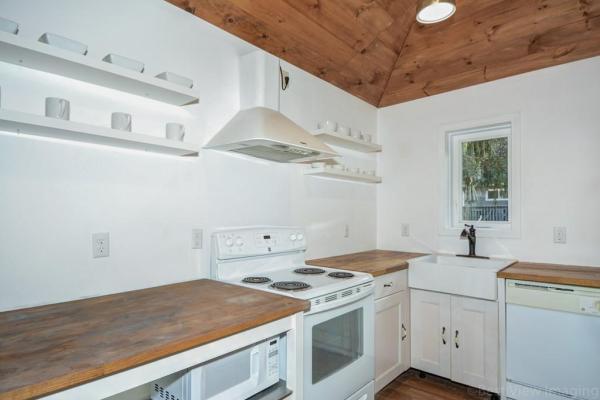 595-sq-ft-boxborough-cottage-005