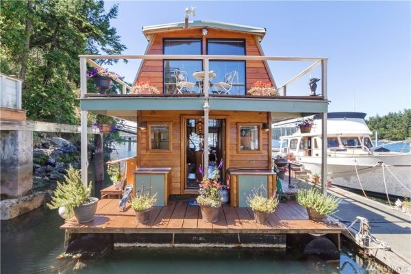 600sf Floating Cottage in San Juan Island 001