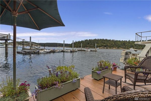 600sf Floating Cottage in San Juan Island 0016