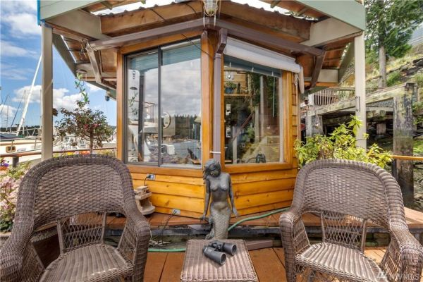 600sf Floating Cottage in San Juan Island 0022