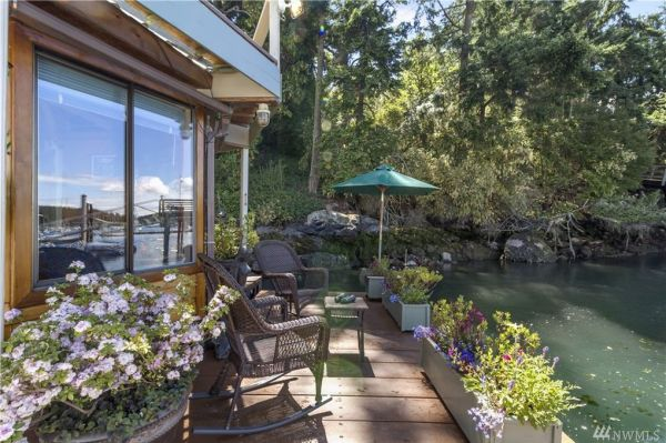 600sf Floating Cottage in San Juan Island 0023