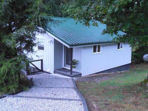 630-sq-ft-parrotsville-cottage-001