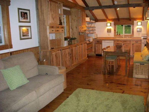 630-sq-ft-parrotsville-cottage-007