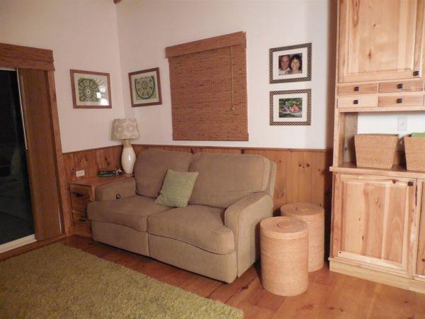 630-sq-ft-parrotsville-cottage-008