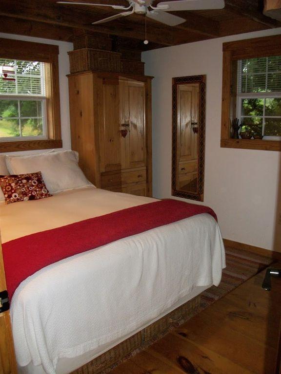 630-sq-ft-parrotsville-cottage-015