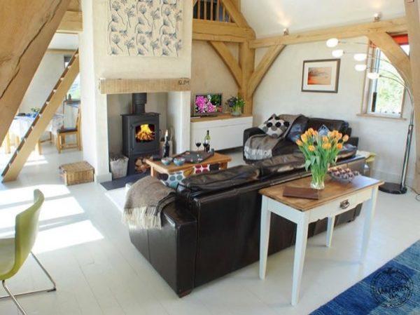 646-sq-ft-carpenter-oak-cottage-004