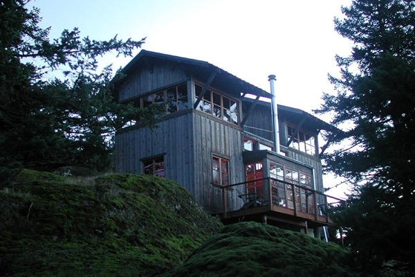672-Sq-Ft-Two-Story-Tower-Cabin-002