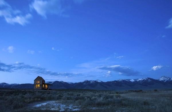 690-Sq-Ft-Little-Lost-Cabin-Idaho-001