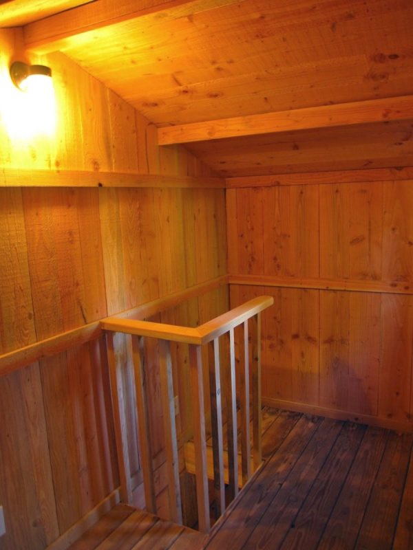 6x10-treehouse-inspired-tiny-house-built-with-scraps-by-molecule-tiny-homes-0013