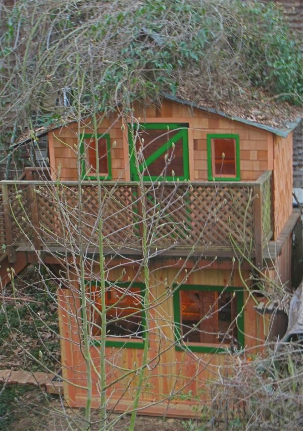 6x10-treehouse-inspired-tiny-house-built-with-scraps-by-molecule-tiny-homes-0018