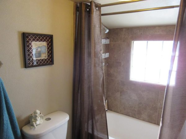 714-sq-ft-cottage-for-sale-03