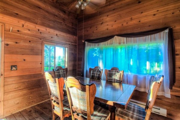 720-sq-ft-rustic-cabin-in-the-mountains-for-sale-007