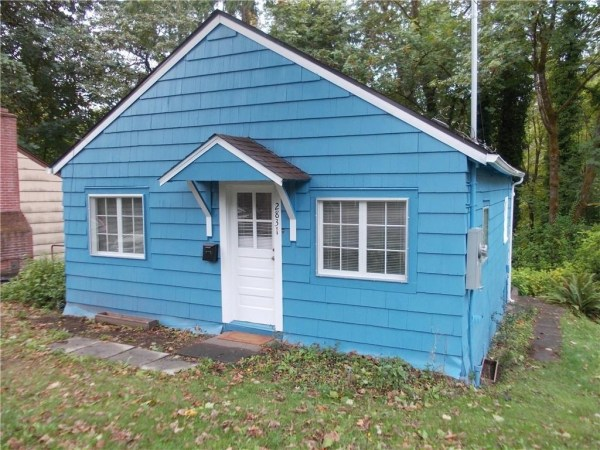 748 Sq. Ft. Cottage For Sale with Great Potential in Olympia 002