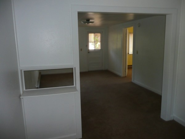 748 Sq. Ft. Cottage For Sale with Great Potential in Olympia 005
