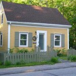794 Sq Ft Tiny Cottage FSBO in Farmingdale ME 001