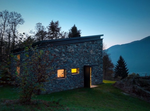 800 Sq. Ft. Stone Cottage 0011