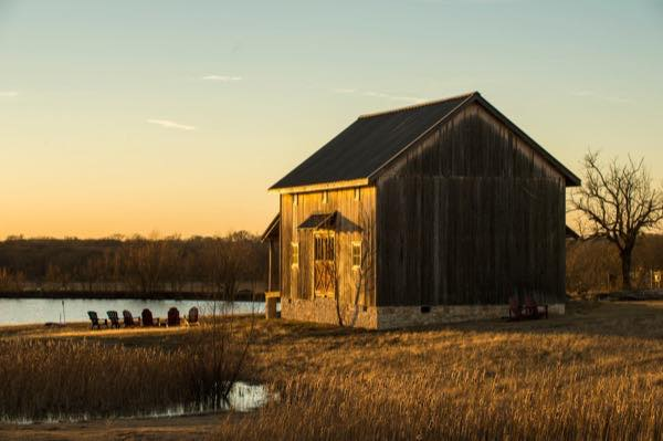 840-sq-ft-barn-to-cabin-restoration-by-heritage-barns-001