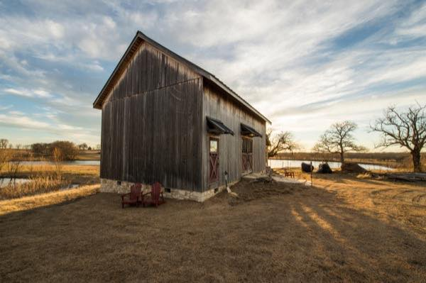 840-sq-ft-barn-to-cabin-restoration-by-heritage-barns-002