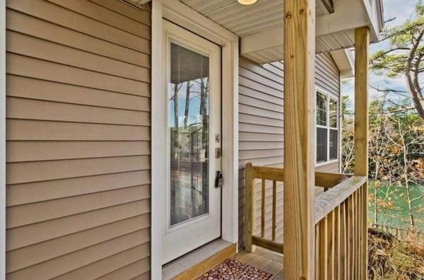845-sq-ft-waterfront-cabin-in-brunswick-003