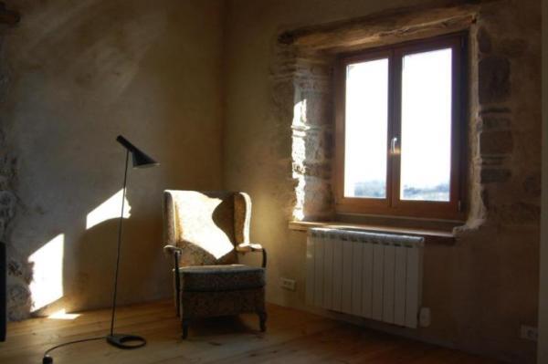 890-sq-ft-cottage-in-france-011